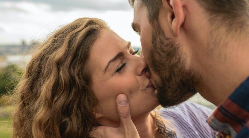 Comment bien embrasser : guide pratique